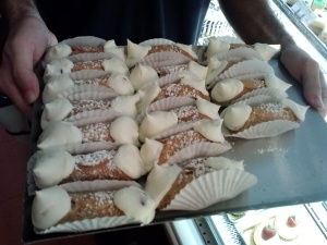 the FABULOUS cannolis